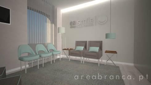 Sala de Espera: Clínicas  por Areabranca