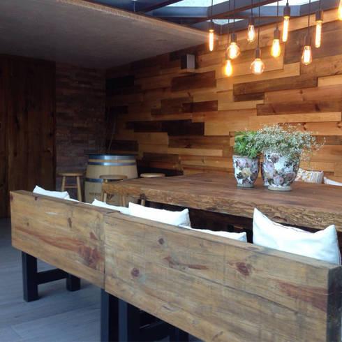 Iluminación : Jardín de estilo  por Arquitectos M253