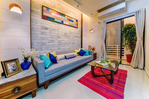 Living Room: eclectic Living room by Saar Interior Design