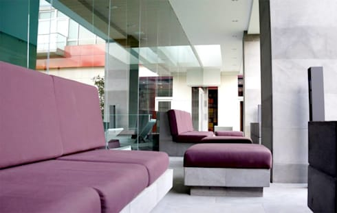 Cosmocrat: Terrazas de estilo  por Interia Muebles