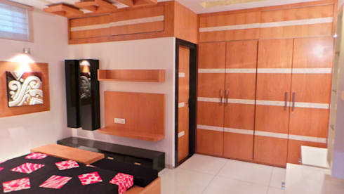 MR. Sanjay : modern Bedroom by Shadab Anwari & Associates.