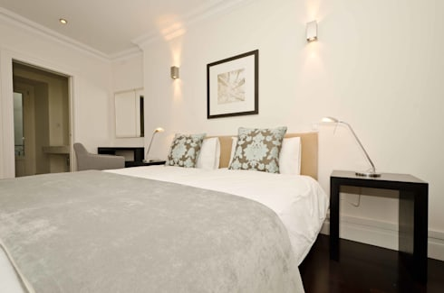 Interior Design Project – Lisbon Apartment: Quarto  por Simple Taste Interiors
