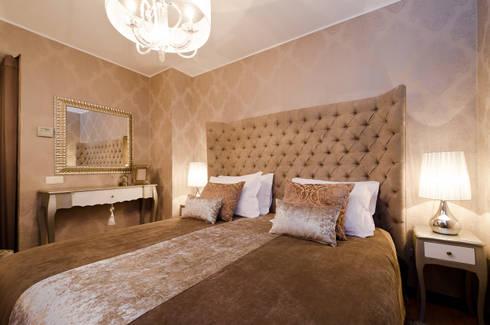 Interior Design Project – V6 in Vilamoura: Quarto  por Simple Taste Interiors