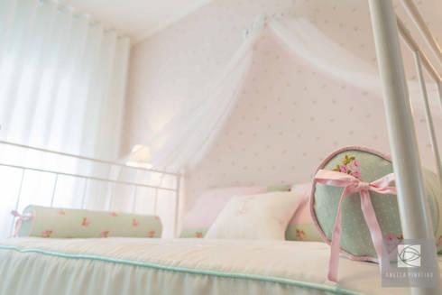 Quarto das Rosas:   por Ângela Pinheiro Home Design