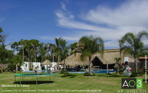 Residencia El Trébol:: Jardines de estilo rústico por AQ3 Arquitectos