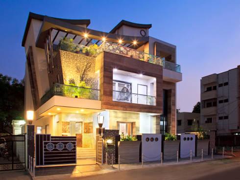 SADHWANI BUNGALOW: modern Houses by Square 9 Designs