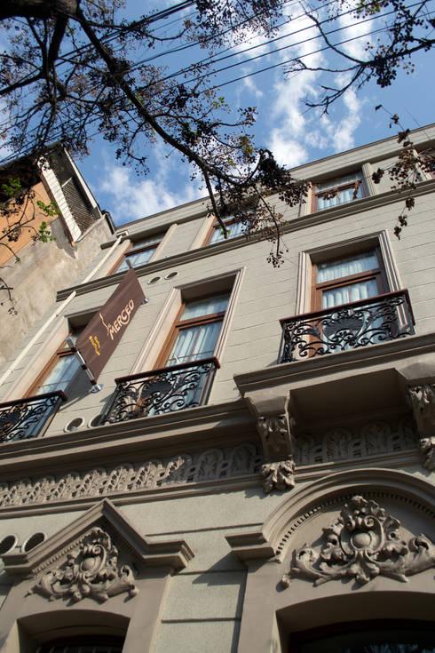 Hotel Boutique Su Merced: Casas de estilo  por EARQ