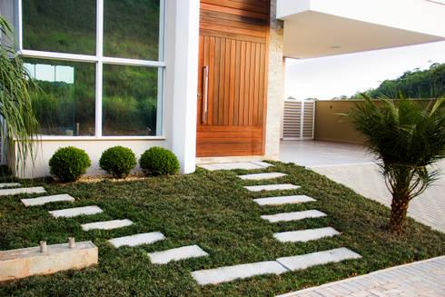 Casa QE148: Jardins modernos por Cecyn Arquitetura + Design