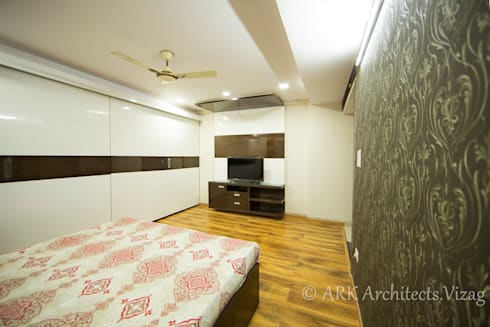 Bedroom: modern Bedroom by ARK Architects & Interior Designers