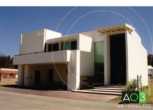 Recidencia Espinoza: Casas de estilo moderno por AQ3 Arquitectos
