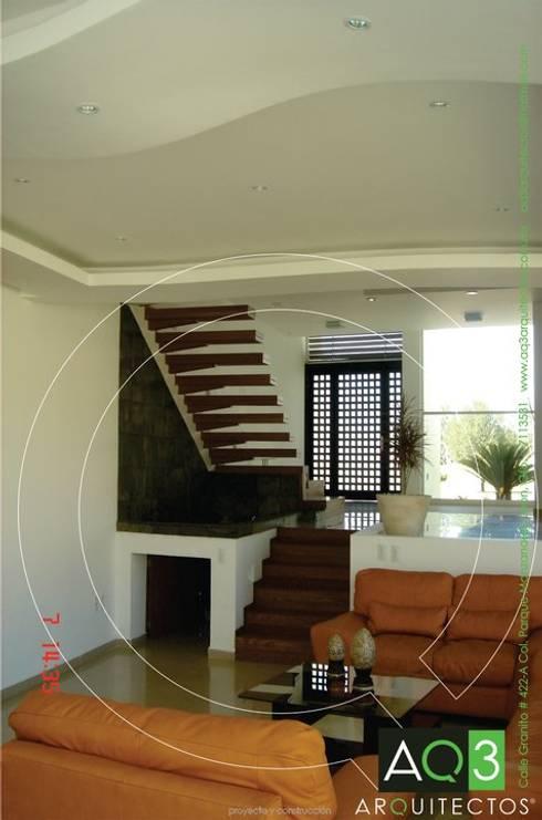 Recidencia Espinoza: Salas de estilo  por AQ3 Arquitectos