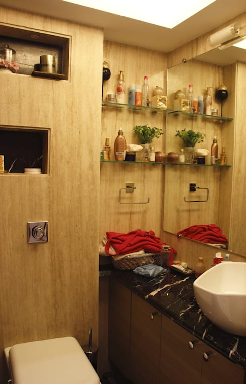 Makeshift house for Panjabis.:  Bathroom by Neha Changwani