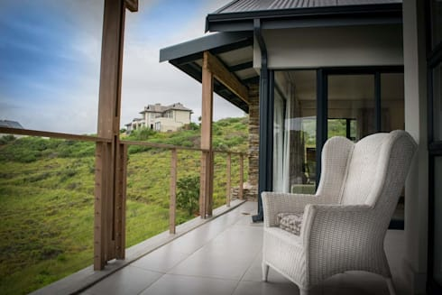 HSE Van Rooyen:  Patios by CA Architects