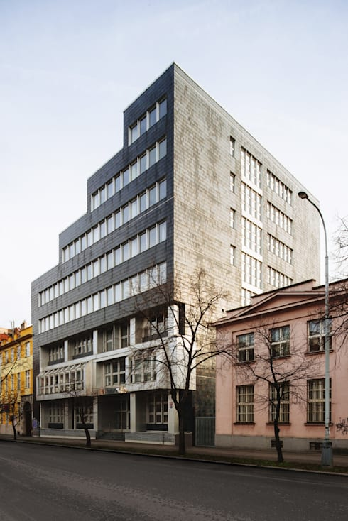 Конкурс на реконструкцию мэрии в Праге 7:  в . Автор – Slava Filipenka architect