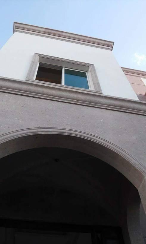 Detalle de Fachada: Casas de estilo moderno por DIIA
