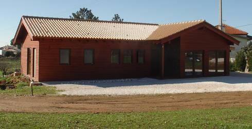 Redonda - Águeda:   por Livinwood - Wooden buildings, Lda