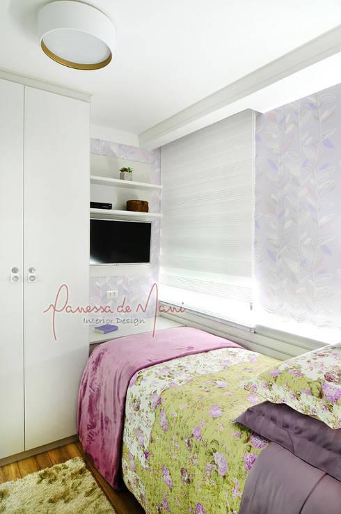 Dormitorios de estilo  por Vanessa De Mani