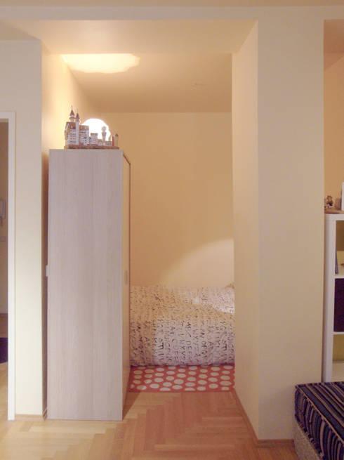 Corridor & hallway by garcia navalon arquitecto