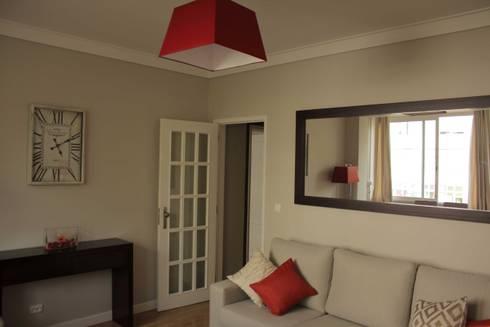 Sala de Estar/Jantar: Salas de estar ecléticas por Oficina Rústica (OFR Unipessoal Lda)