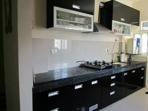 Modular kitchen design by aashita modular kitchen homify for Semi modular kitchen designs