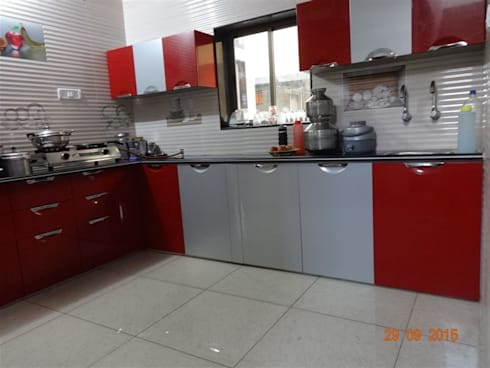 L shape modular kitchen  with wall cabients : asian Kitchen by aashita modular kitchen