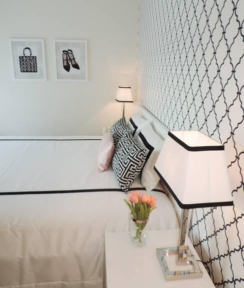 Black&White - Room: Quartos modernos por Espaços Únicos - EU InteriorDecor