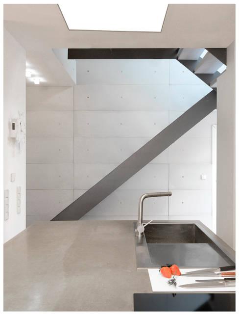 wandverkleidung aus beton von betondesign factory homify. Black Bedroom Furniture Sets. Home Design Ideas