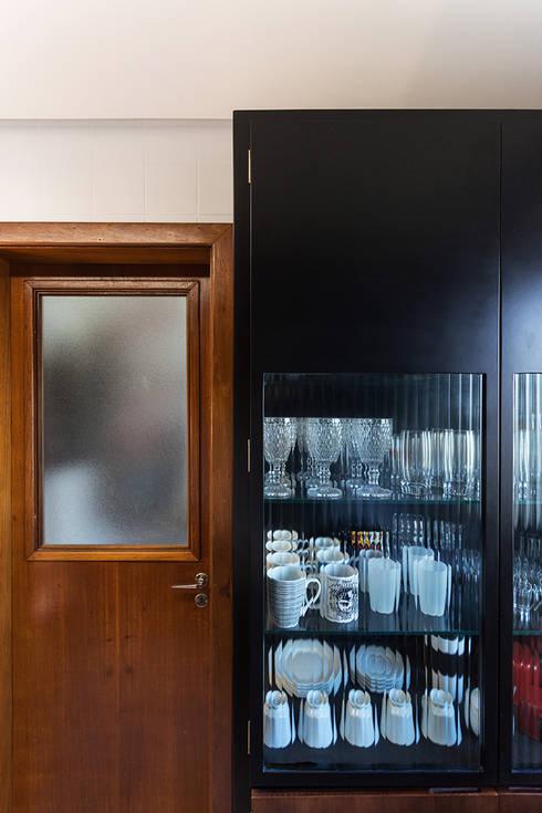 ap. SM: Cozinhas industriais por Ateliê 7 arquitetura e design integrados