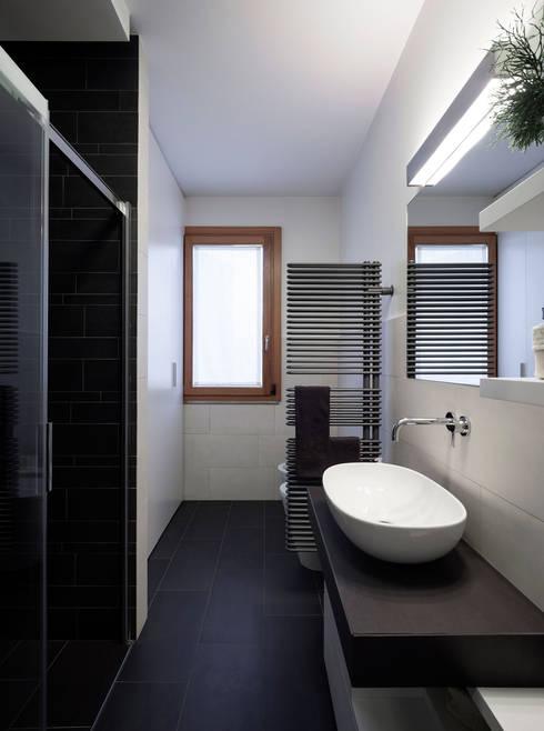 F house par exit architetti associati homify for Termoarredo bagno piccolo