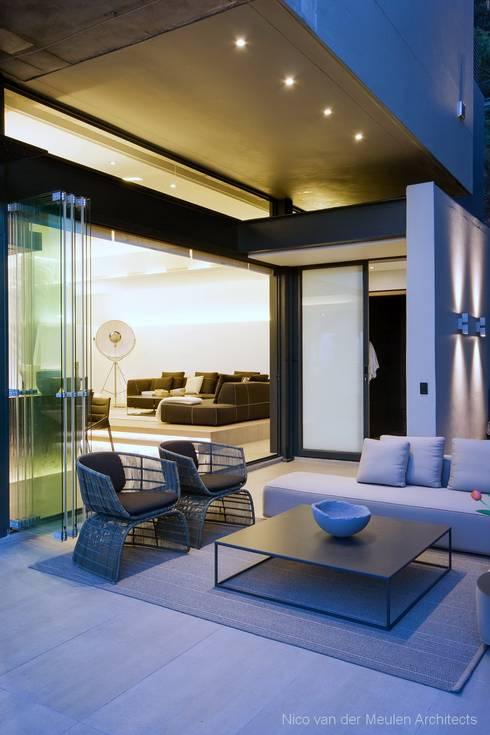 Terrasse de style  par Nico Van Der Meulen Architects