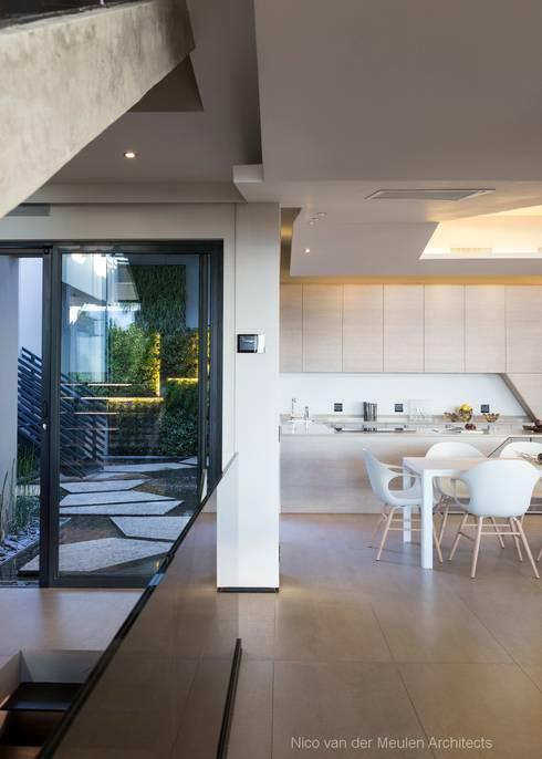 Projekty,  Kuchnia zaprojektowane przez Nico Van Der Meulen Architects