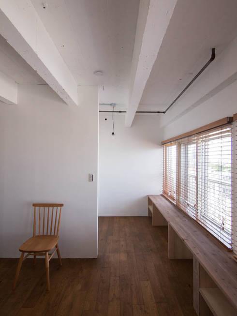 Corridor, hallway by 株式会社エキップ