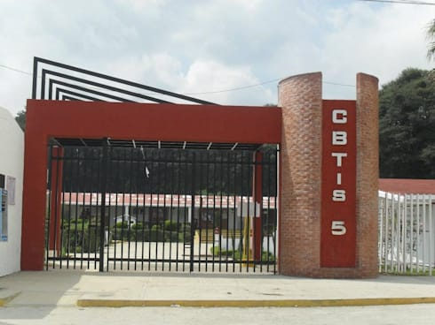 Acceso CBTIS No. 5: Escuelas de estilo  por ARCO +I