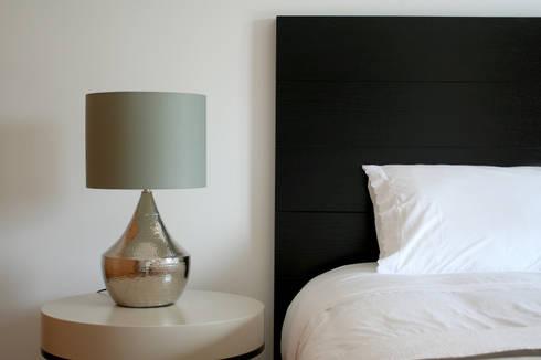 Quarto 2: Quartos modernos por Amber Road - Design + Contract