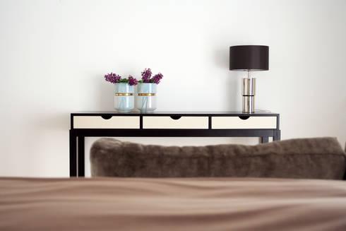 Suite: Quartos modernos por Amber Road - Design + Contract