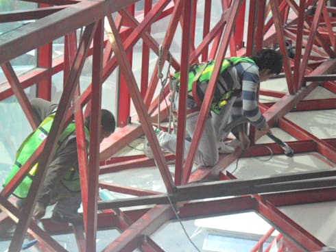Limpieza de estructura:  de estilo  por PLANET PEOPLE