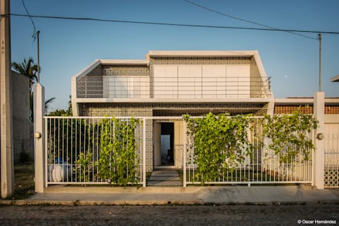 CASA BARRA DE NAVIDAD / PETER PICHTLER:  de estilo  por Oscar Hernández - Fotografía de Arquitectura