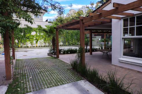 Restaurante Puhro: Espaços de restauração  por Cecyn Arquitetura + Design