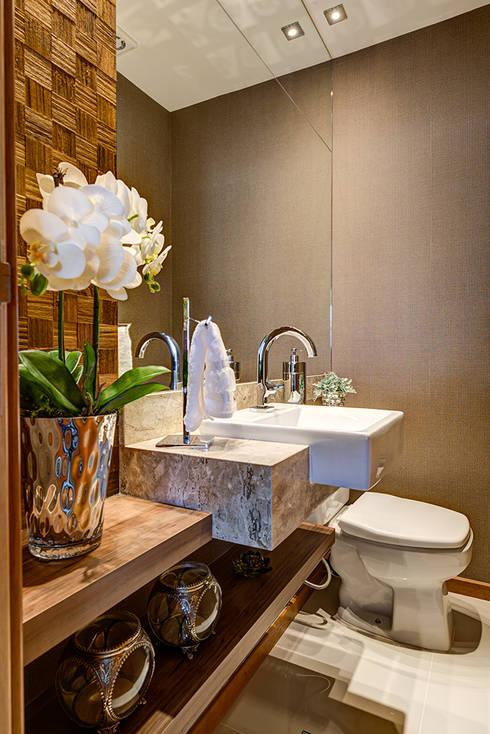 Lavabo: Banheiros modernos por Eveline Maciel - Arquitetura e Interiores