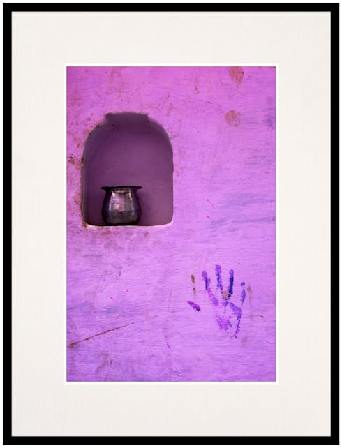 The invisible hand:  Artwork by IndiPix Gallery