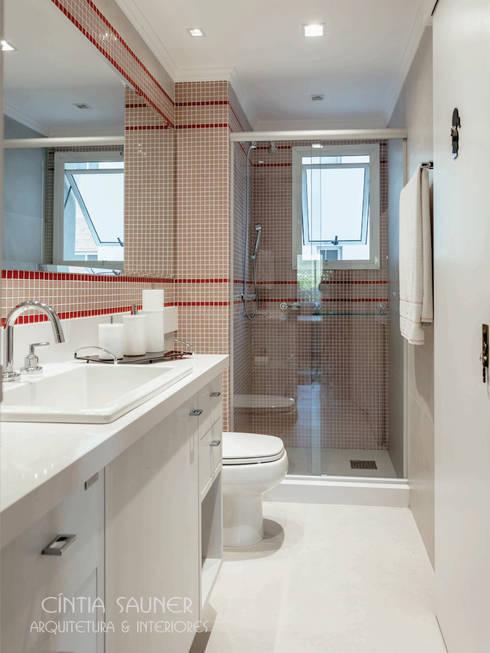 banho filha caçula: Banheiro  por Cintia Sauner Arquitetura e interiores