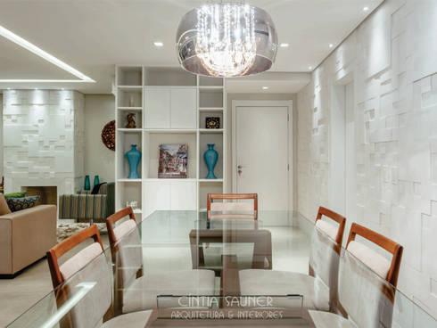 hall / jantar: Sala de jantar  por Cintia Sauner Arquitetura e interiores