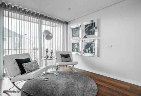 Business office: Corredor, hall e escadas  por EPphotography