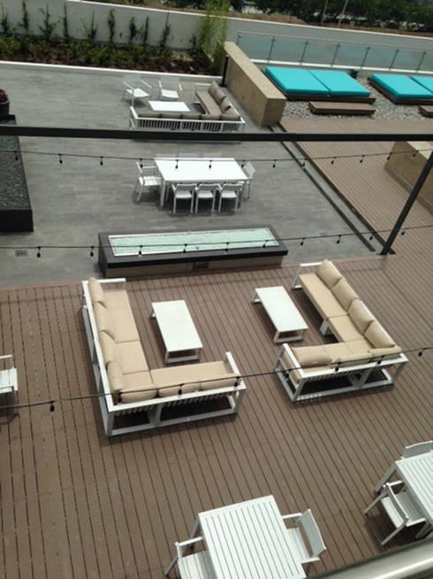 MONTERREY: Balcones y terrazas de estilo moderno por SINDO OUTDOOR