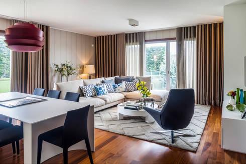 Sala de Tv e Jantar: Sala de estar  por Jorge Cassio Dantas Lda