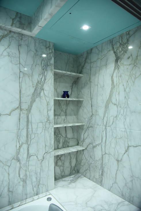 Deshmukh Residence: minimalistic Bathroom by Ornate Consultants