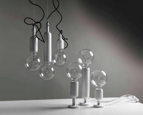 Línea Vella: Livings de estilo minimalista por Mags Design