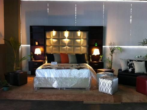 Cama Queen Modelo 2016: Dormitorios de estilo  por Decoraciones Santander