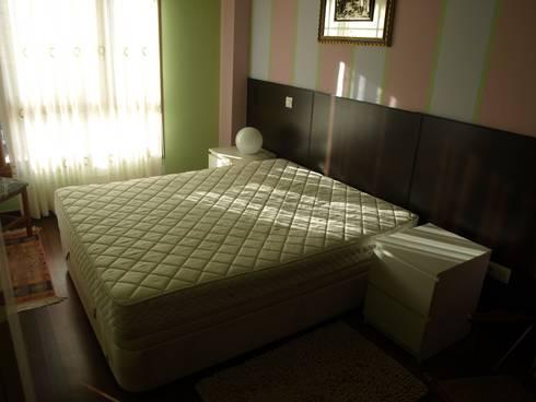 Antes Dormitorio principal:  de estilo  de AAyBE