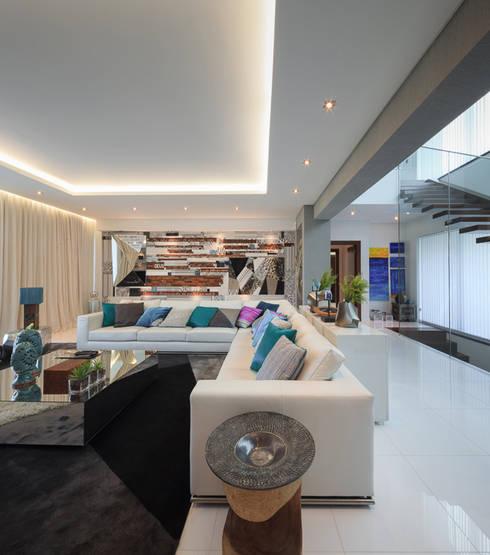 Moradia Algarve 2013: Salas de estar modernas por Atelier  Ana Leonor Rocha